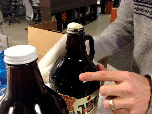 Thumb_jj-fill-beer-b